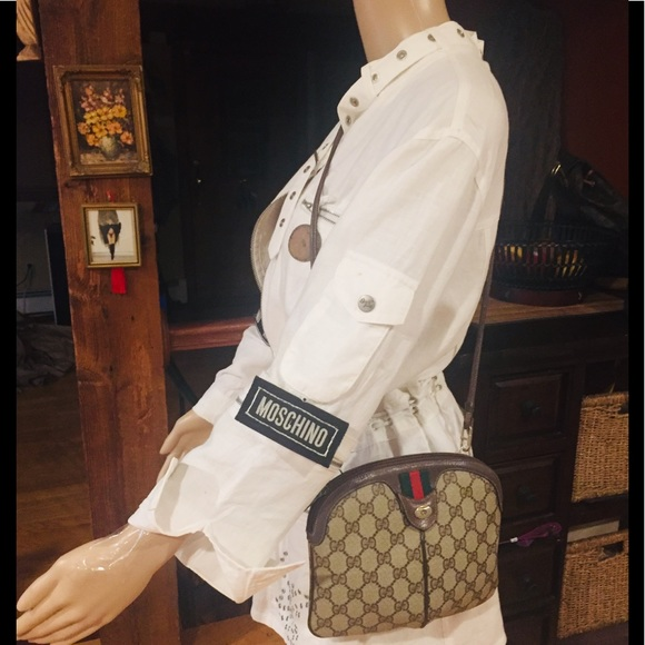 Gucci Handbags - 🎁🎄V RARE sought after GG CROSSBODY EUC w/ DUSTER